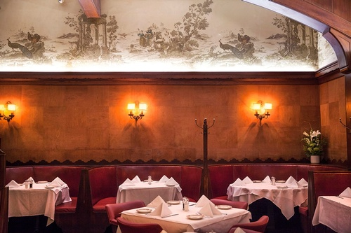 10 Of Our Favorite Vintage Restaurants In LA